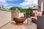 Une piscine et une terrasse au même endroit, c'est possible !